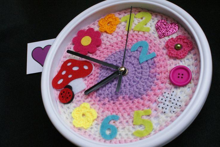 clock knitting 15,00