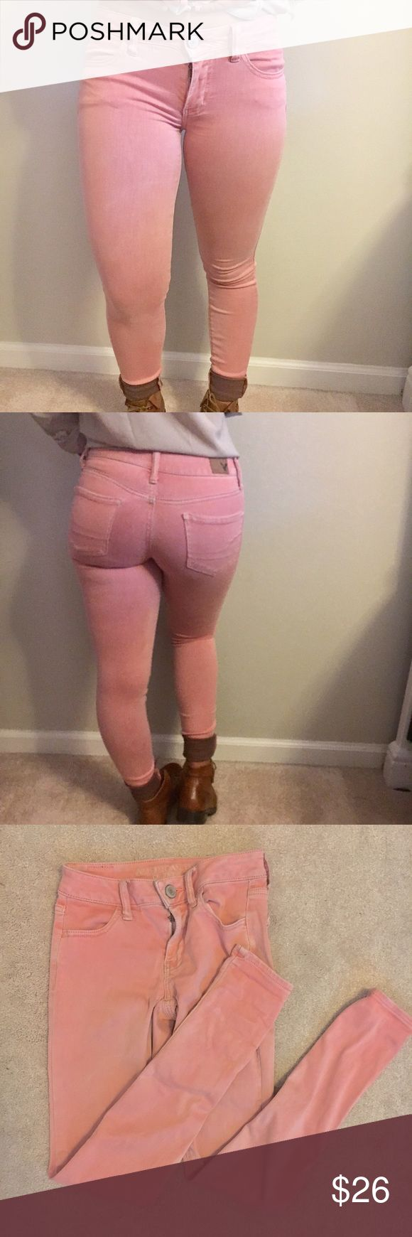 AMERICAN EAGLE salmon pink colored jeggings Size 0. 26 inch waist and 28.5 inch inseam. Perfect condition and super stretchy and cute American Eagle Outfitters Jeans Skinny