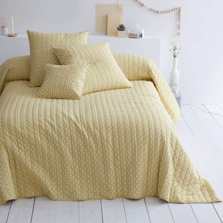 Plaid ou couvre-lit boutis coton Indila jaune Harmony. Retrouvez le confort et le charme du piquage boutis. Le couvre-lit matelassé Indila…