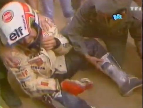 Hubert Aurio - Paris Dakar 1987. TF1 Video great quality http://www.tf1.fr/tf1/auto-moto/videos/hubert-auriol-se-casse-chevilles-dakar-auto-moto-25-janvier-1987.html