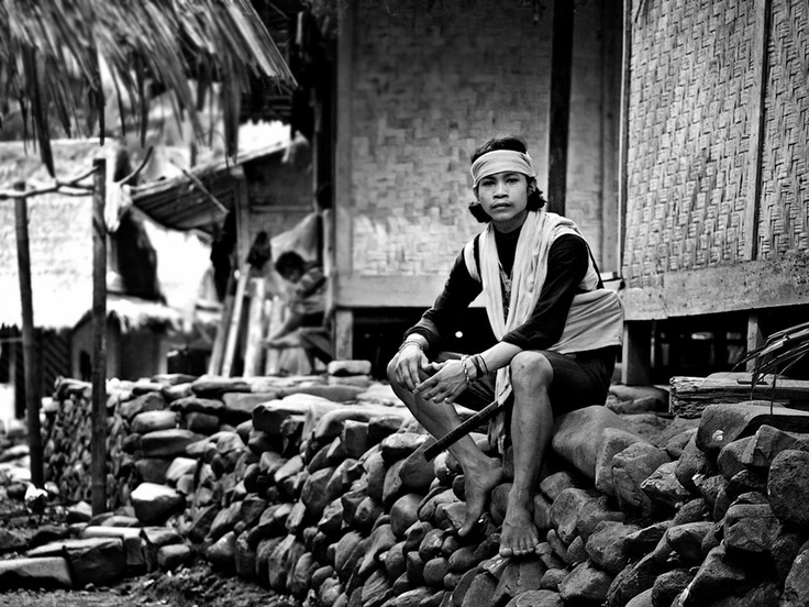 This young man is the Baduy Dalam (Inner Baduy). Marked from its characteristic, a white cloth headband. #indonesia