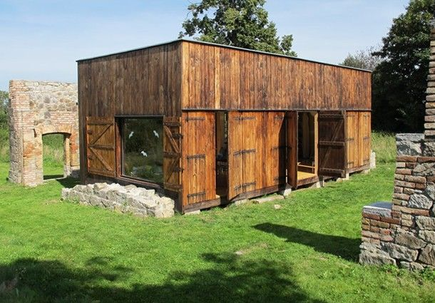 Low cost reused materials zero consumes house labor 13 for Design casa low cost