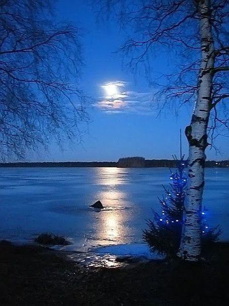 Moonlit blue #light #love moonlighting