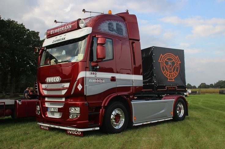 If there would be a competition for best looking Iveco, this one would have a good shot at winning the title.