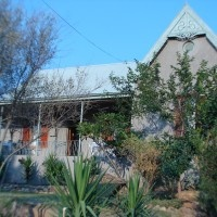 365 on St Helena - a pet friendly guest house and self-catering accommodation with 5 bedrooms in Calitzdorp on the Route 62 in the Klein Karoo, Western Cape.