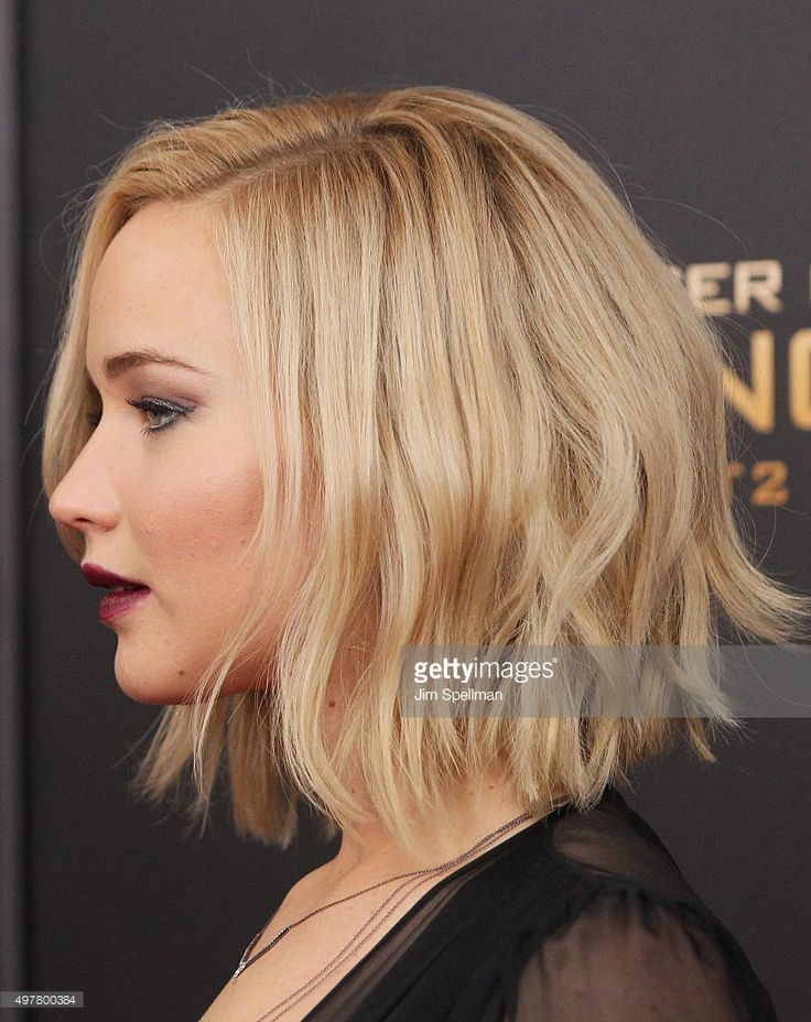nice Actress Jennifer Lawrence, hair detail, attends the 'The Hunger...