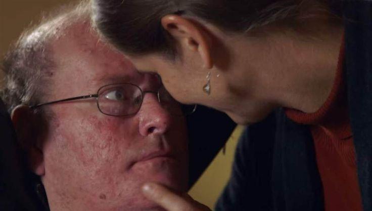 """För 16 år sedan fick Don Moir diagnosen ALS. Ett år senare förlorade han förmågan att prata och kroppen fungerade allt sämre. Hans hustru Lorraine har hela tiden funnits vid hans sida och stöttat sin make. Den här fantastiska filmen visar när Don, för första gången på 15 år, får en röst med hjälp av en maskin. Ögonblicket när han säger """"jag älskar dig"""" kan vara något av det vackraste någonsin."""