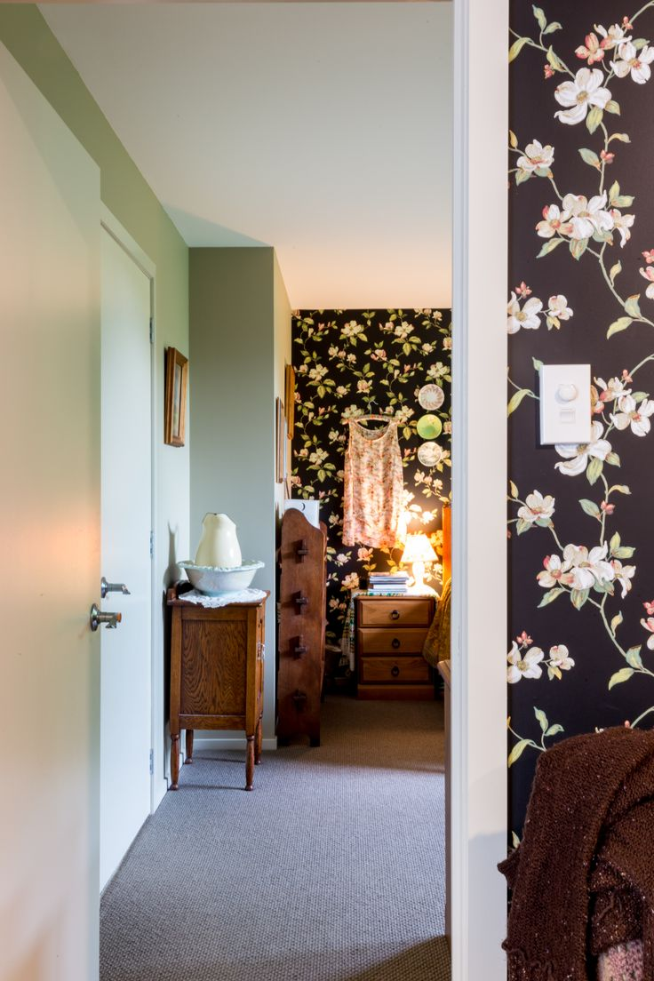 Utilising black wallpaper to make a statement