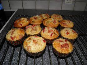 Bianca's kageverden: Rabarber - makron muffins og skrive fri