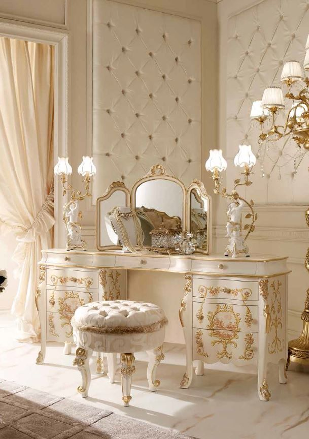 Raindrops And Roses I Love The Upholstered Walls And Am In Awe Of The Gorgeous Furniture Upholstered Walls Italian Bedroom Luxurious Bedrooms