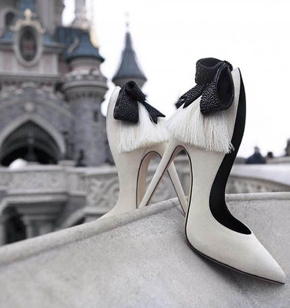 Amazing heels!  http://www.valentinacuriosea.com/2015/12/amazing-heels.html