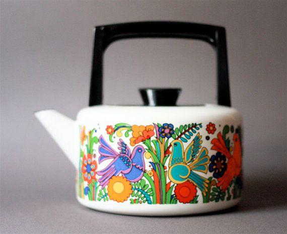 acapulco pattern enamel kettle