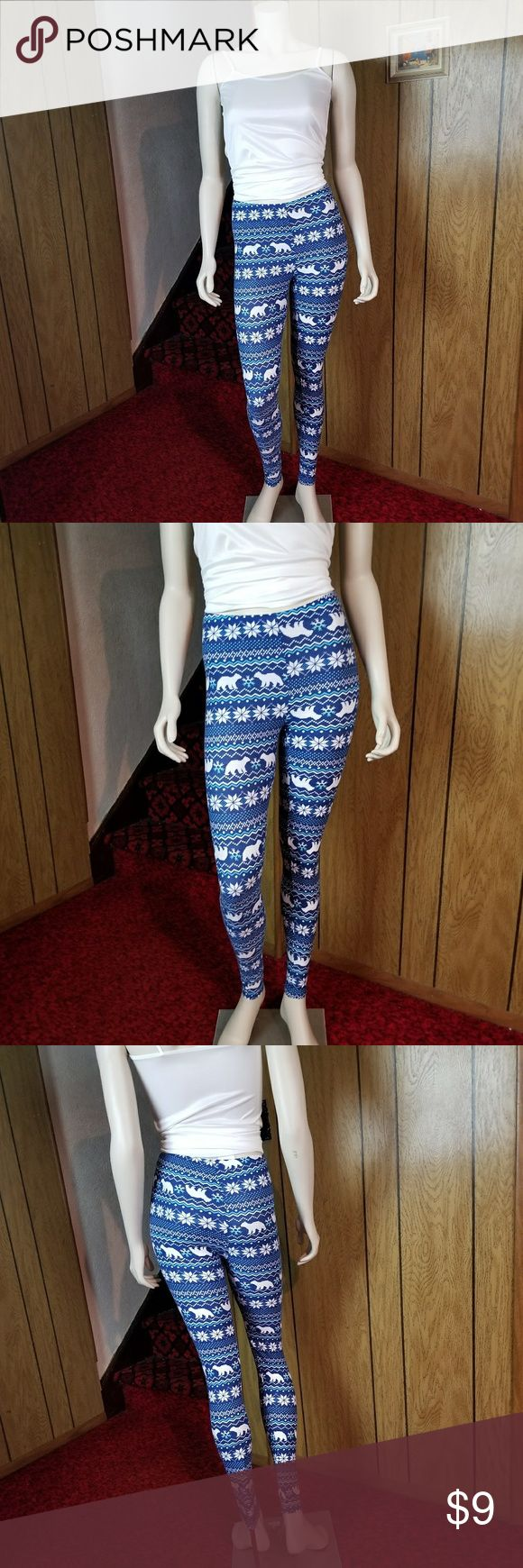 Planet Gold Brand Holiday Leggings Size: Medium *92% Polyester 8% Spandex * Very soft material * Inseam: 28 1/2 in Planet Gold Pants Leggings