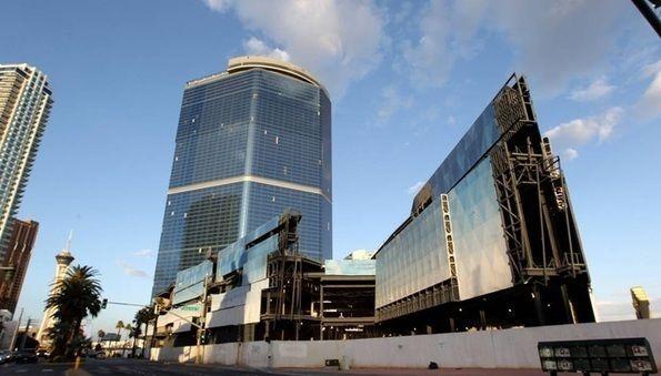 Live Casino - Proyek hotel casino Fontainebleau yang terletak di Las Vegas Boulevard South, yang belum selesai selama hampir satu dekade, dan selesai di 2020.