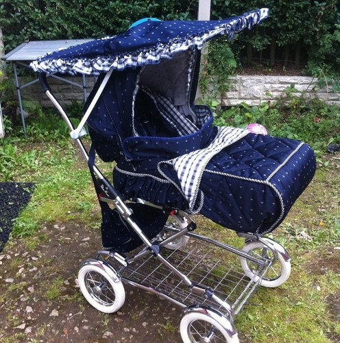 silver cross pram system navy and white my daughter had that one for her dolls baby prams. Black Bedroom Furniture Sets. Home Design Ideas