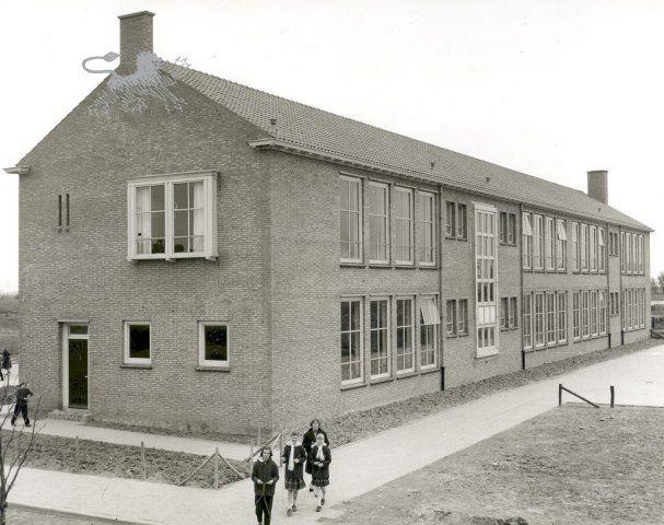 plataanstraat-plataanschool 1961 Historisch Centrum Leeuwarden - Beeldbank Leeuwarden