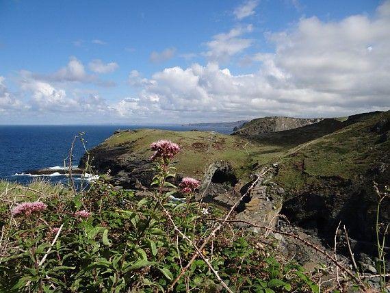 Die wilde Küste in Nordcornwall ist die Heimat von König Artus.