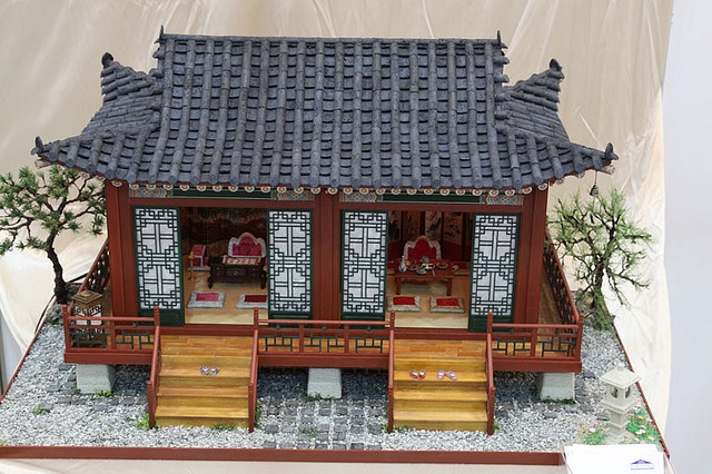 Korean Dollhouse