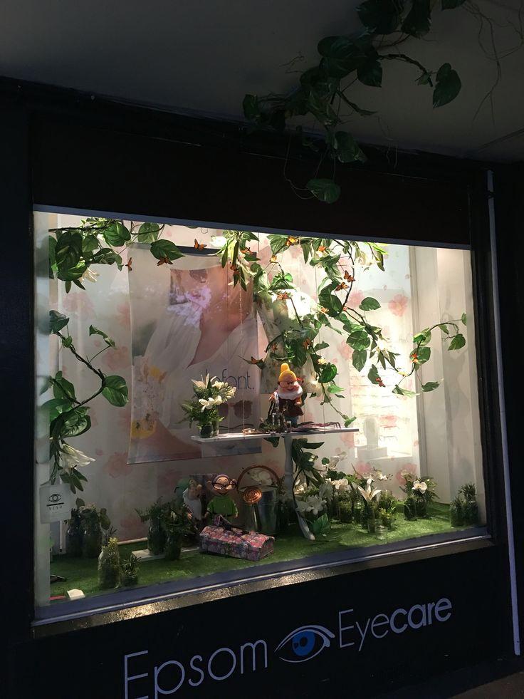 "EPSOM EYECARE,Epsom, Auckland, New Zealand, ""Flowers to your doorstep"", for Lafont Eyewear, created by Ton van der Veer"