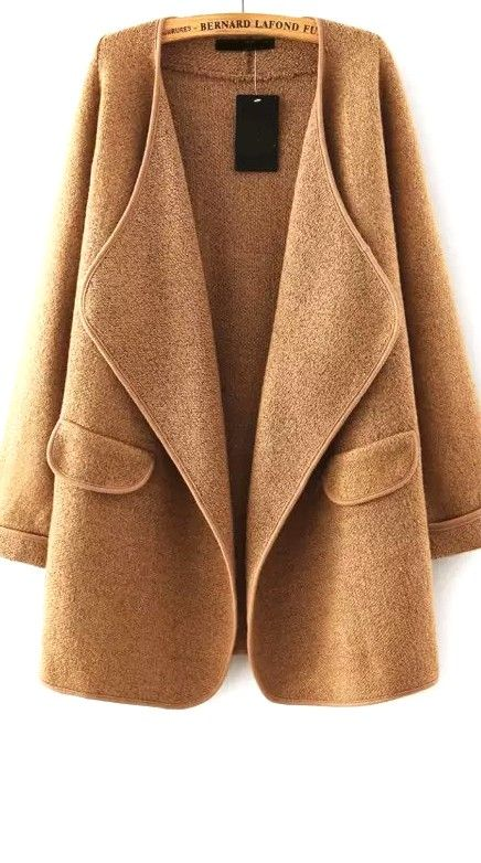 Feeling confident and sophisticated in this khaki long sleeve loose sweater coat