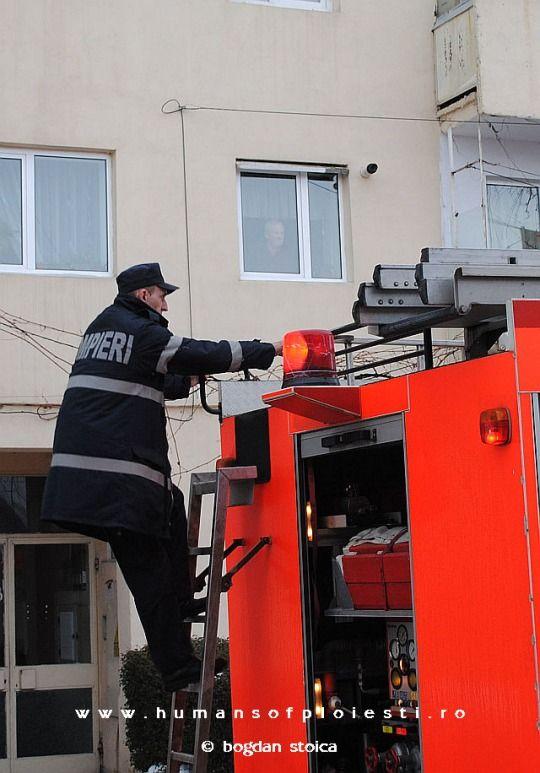 """Pompieri in actiune """"Ceea ce altii numesc eroism, eu numesc munca de zi cu zi."""" Jerry Smith"""