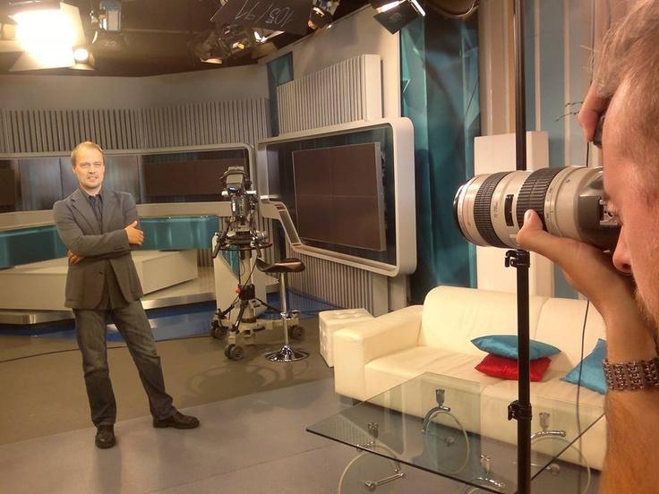 Šporťák Peter Čambor sa postavil pred objektív fotografa v štúdiu Telerána, ktoré sa včera zahralo na ateliér. A odišiel s veľmi slušnými fotkami :-)