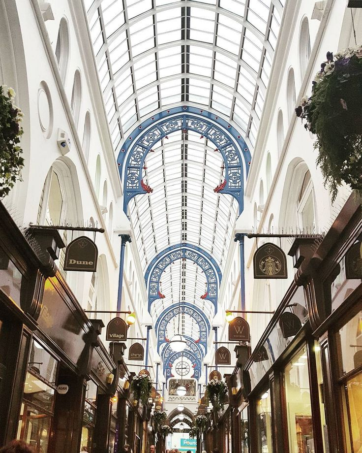 Gaining some perspective at Thornton's Arcade #leeds #leedscitycentre #arcade #architecture #capturingbritain
