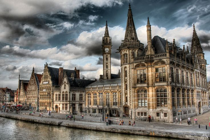 De Graslei. Gent, Belgium.  Source: AyseSelen