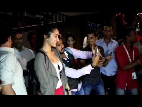 Shraddha Kapoor MOBBED by Fans for a SELFIE at Mumbai Airport. See the full video at : https://youtu.be/lPSdE4W70X0 #shraddhakapoor