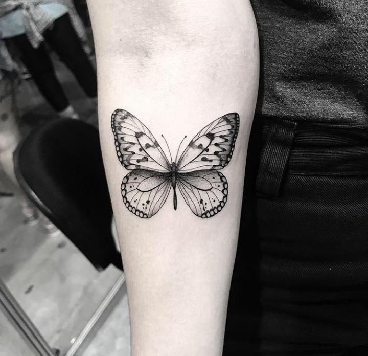 65 Cute Butterfly Tattoo Designs Butterfly Is A Popular Tattoo Idea For Women It Is Loved For Its Cute Sh In 2020 Butterfly Tattoo Tattoos Butterfly Tattoo Designs