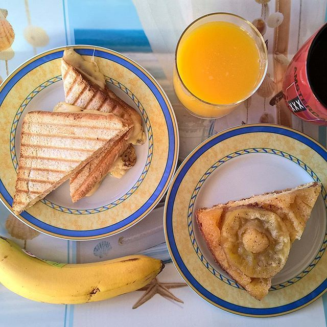 Ending the week in style: A humble smoked pork grilled cheese, a slice of her apple pie and a sweet banana. #thenewbreakfasteverydayproject #livingmylifemyway