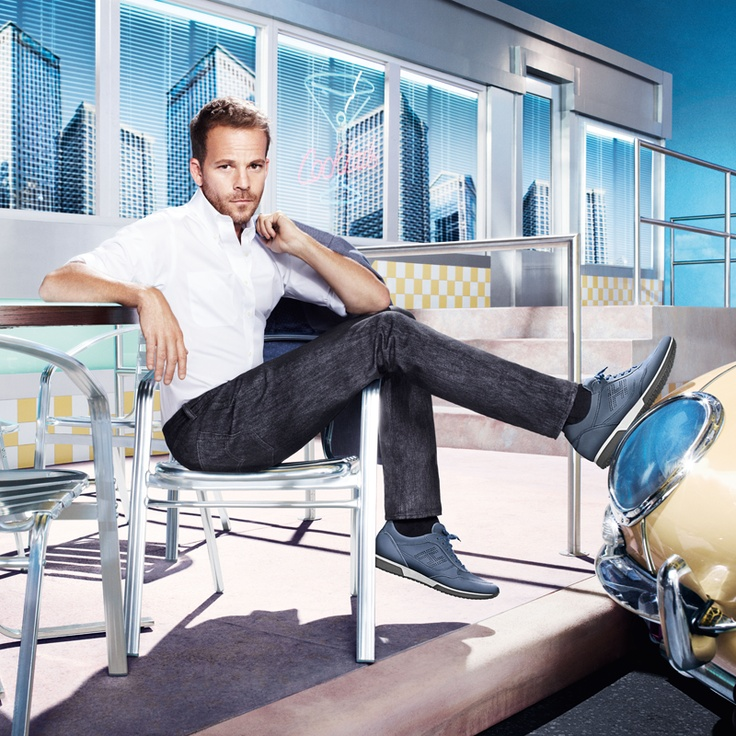 HOGAN Men's Spring - Summer 2013 campaign featuring Stephen Dorff: a casual yet refined style.