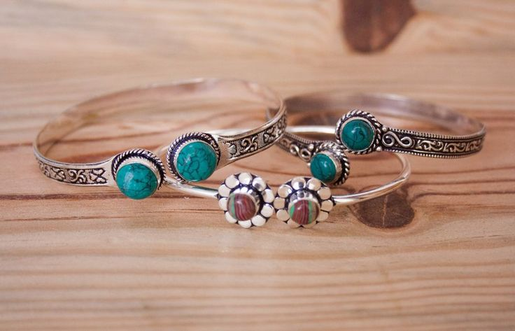 Bracelets via FILOMENA ∵ Indian Jewelry. Click on the image to see more!