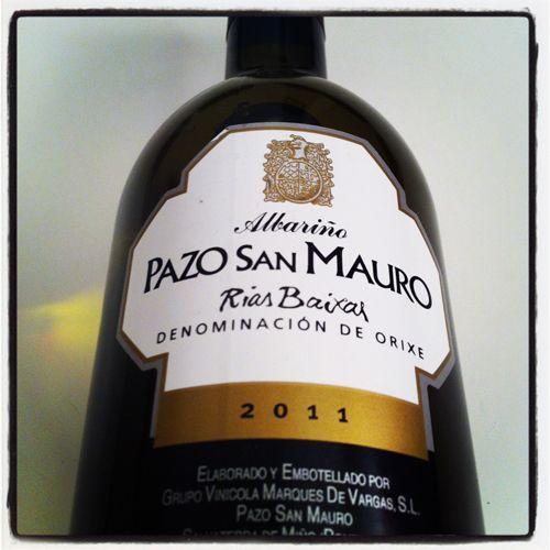 Rías Baixas y 100% albariño. Pazo San Mauro 2011. Blanco. D.O. Rías Baixas. Marqués de Vargas. Enolobox agosto 2012.