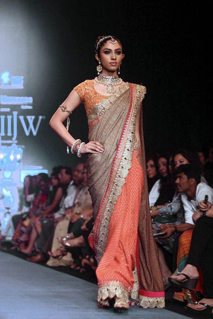 Saree #saree #sari #blouse #indian #hp #outfit  #shaadi #bridal #fashion #style #desi #designer #wedding #gorgeous #beautiful