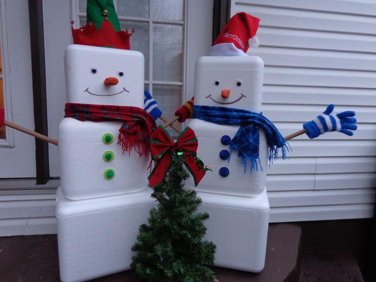 Styrofoam Cooler Snowmen... Great use for styrofoam coolers that get thrown away...