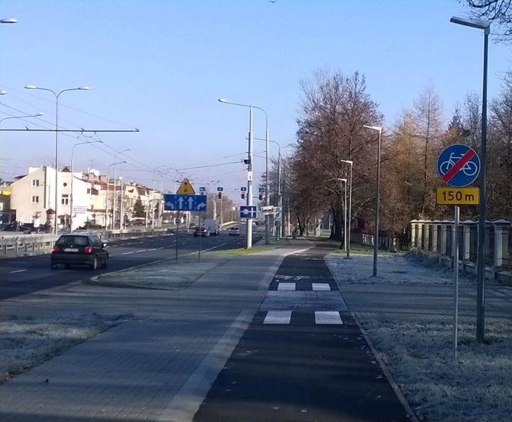 """""""Poprawne oznakowanie DDR ślepej na Kraśnickiej #rower #Lublin  Można też D-4a"""""""