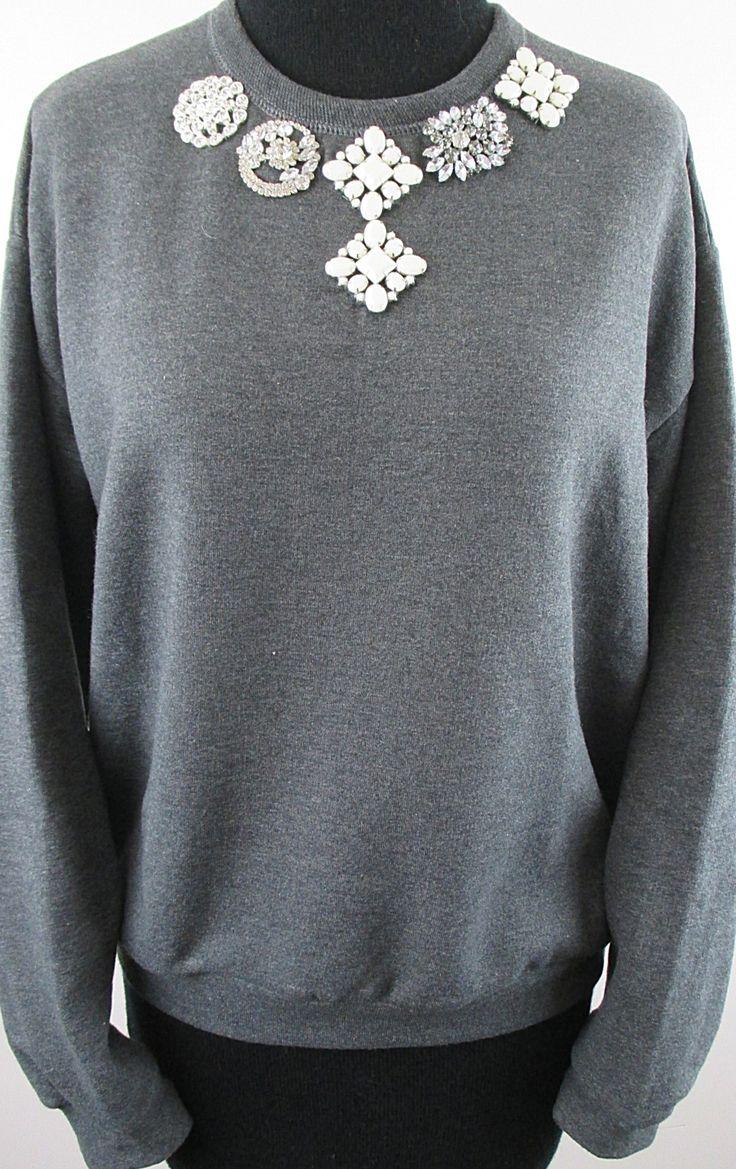Brooch laden sweatshirt- charcoal