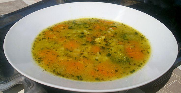 Pikáns zöldségleves nyári melegben is.