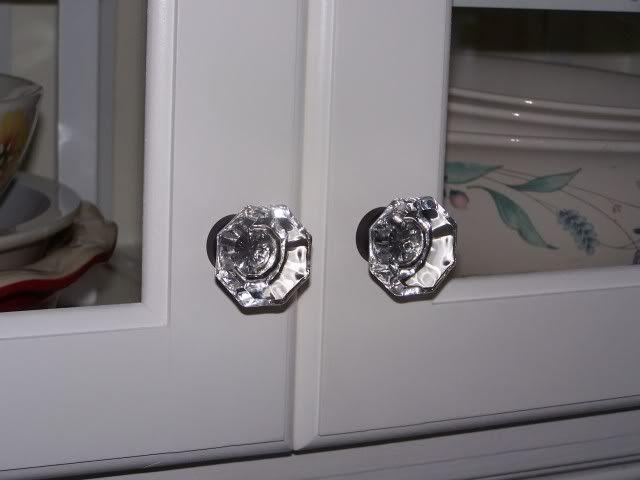 51 best kitchen images on pinterest on kitchen cabinets knobs id=63421