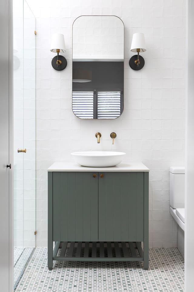 10 pequeños consejos de diseño de baño para maximizar el espacio baños