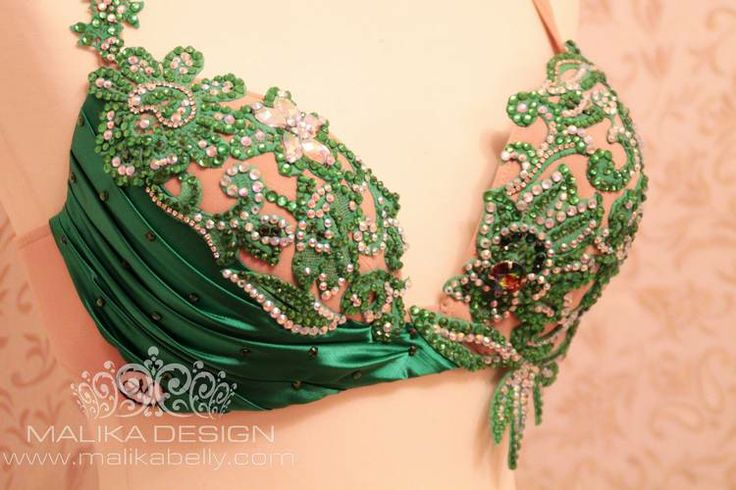 Love the nude bra with the green