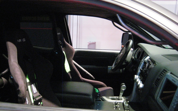 Toyota Prerunner Tundra interior Photo on November 1, 2012