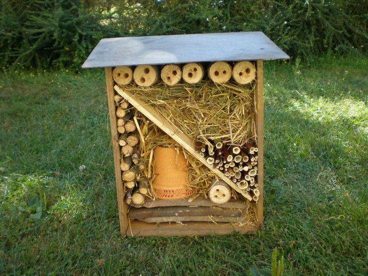 Plus de 1000 id es propos de cabane insectes sur - Cabane a insecte ...