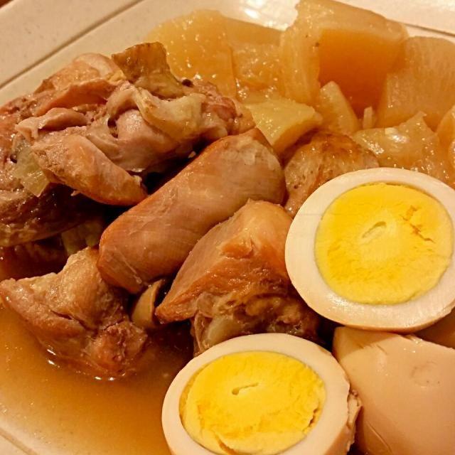 1日置いて味染み込ませました❗ - 82件のもぐもぐ - 骨付き鶏肉、大根、卵の圧力鍋煮 by ゆうちゃん