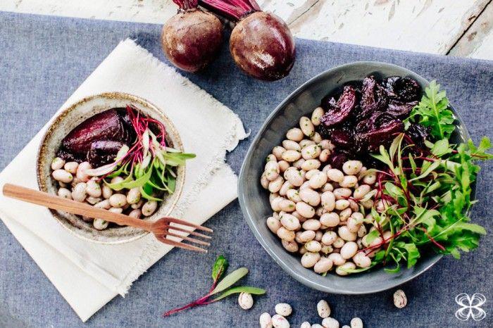 Salada de beterrabas assadas e feijão rosado por Flavia Valsani