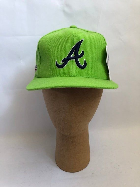 Late 90s Braves Hat Deadstock Nwt Neon Green Hook Eye Closure In Excellent Unworn Condition 29 John Smoltz In 2020 Atlanta Braves Hat Braves Hat Atlanta Braves