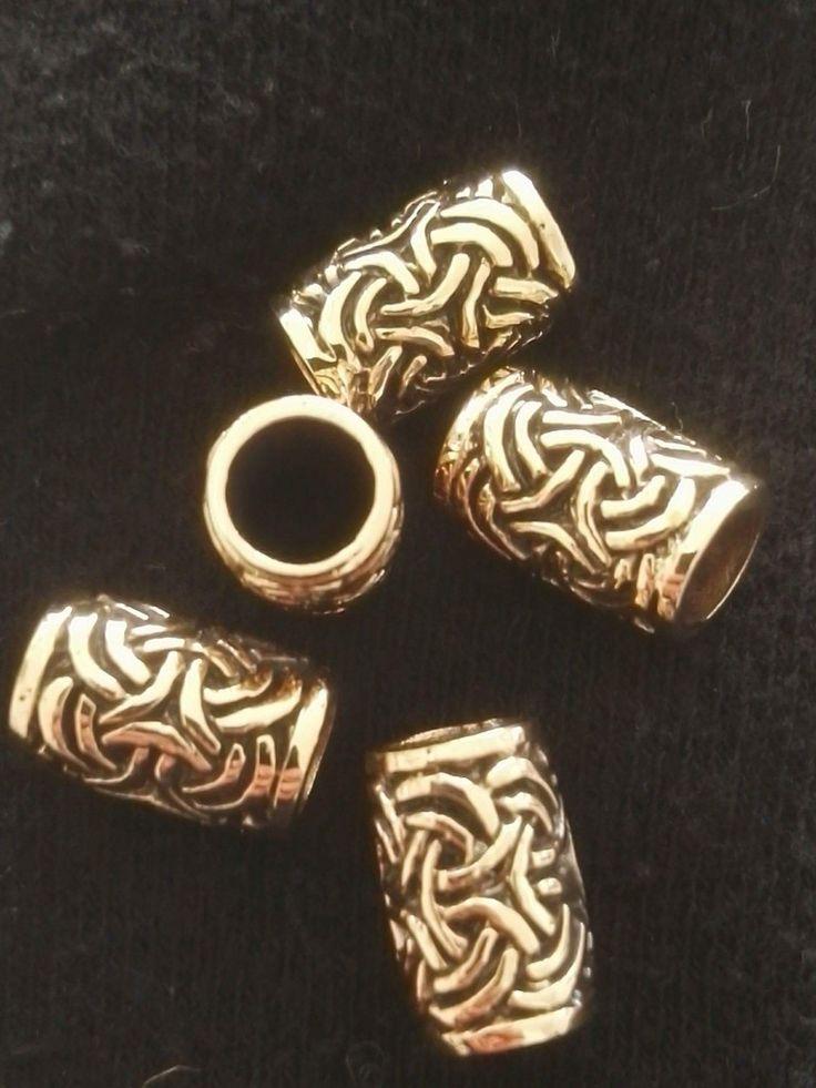 Bronze perle. 1,4 cm x 0,9 cm. Indvendig hul 6mm.  100 kr