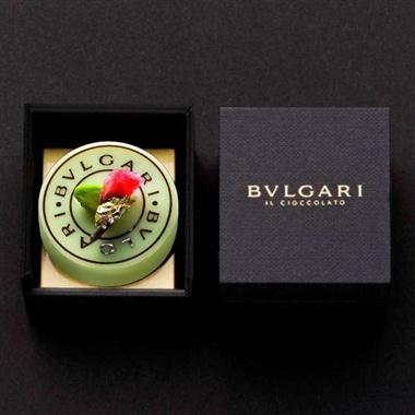 BVLGARI. OMG! bulgari food packaging sweets for my sweets. black design