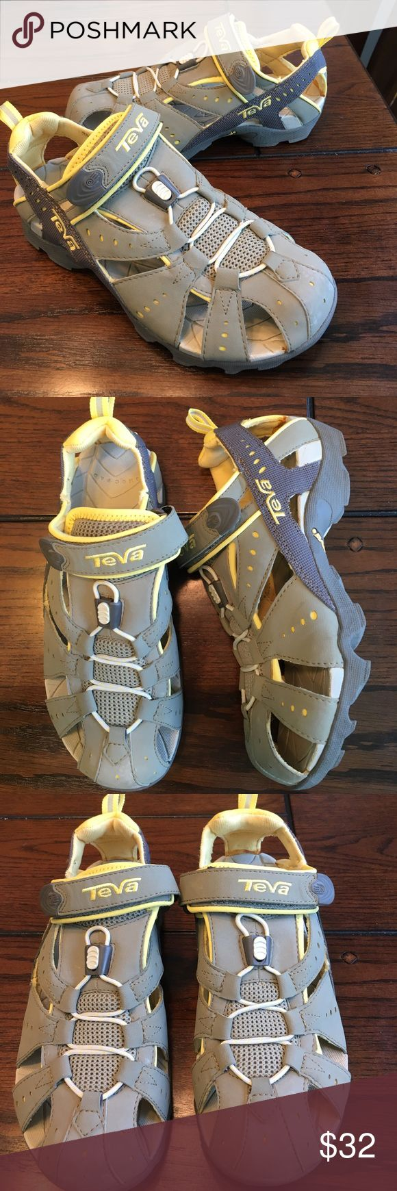 EUC Teva Dozer hiking water shoes Sandal sneaker The shoes have been worn once from a non-smoking household and are in excellent condition look brand new. Teva Shoes